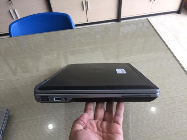 DELL LATITUDE E6520 I5 2520M/RAM 4GB/SSD 120G/ VGA NVIDIA NVS 4200/15.6 INCH