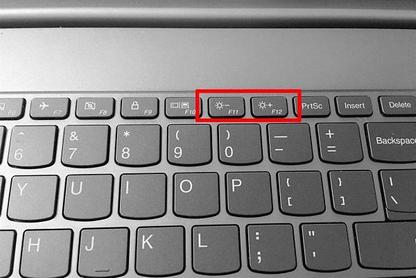 6 cach tang giam chinh do sang man hinh laptop tren windows 10 1
