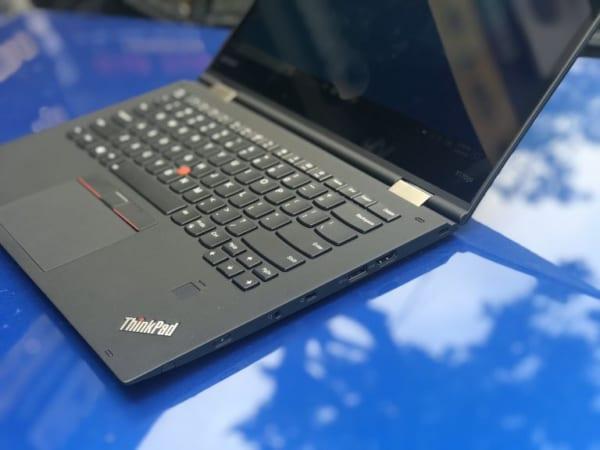 Máy tính xách tay Lenovo Thinkpad X1 Yoga i5- 7200U / 8GB/ SSD 256GB/ 14.0 2K
